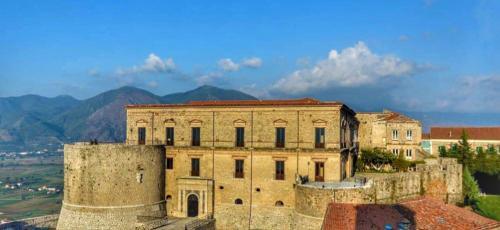 Castello Macchiaroli - Teggiano (SA)